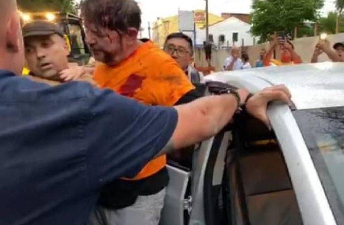 Cid Gomes contra policiais amotinados