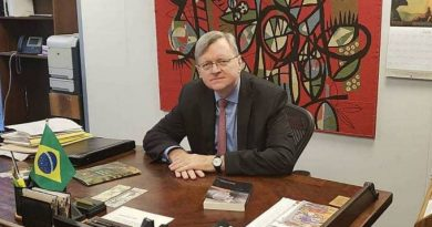 Comissão aprova indicação de Nestor Forster para embaixada nos EUA
