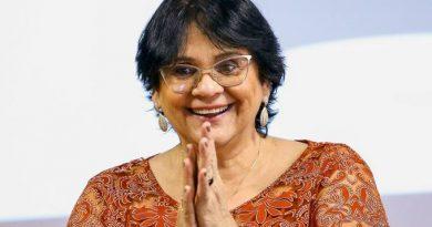 Deputada apresenta PL em apoio à campanha de Damares sobre abstinência