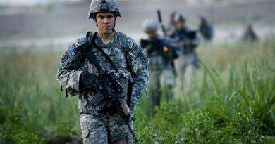 Estados Unidos e Talibã selam acordo para retirar tropas do Afeganistão