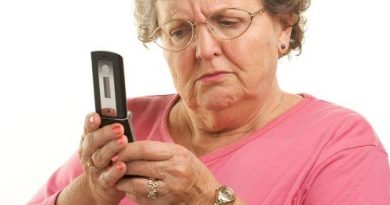 Os mais velhos não usam presentes tecnológicos porque não conseguem