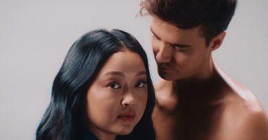 Raining in London: Cantora? Lana Condor solta a voz em nova música do namorado