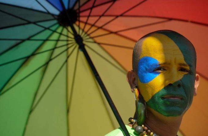 Witzel regulamenta lei estadual que pune homofobia