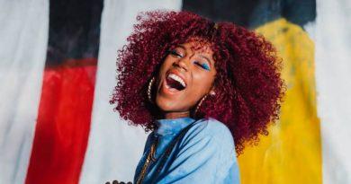 A cantora Malía está de malas prontas para a Califórnia