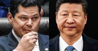 Alcolumbre pede desculpas a líder chinês por post de Eduardo Bolsonaro