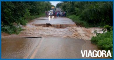 Chuvas causam rompimento da PI 130 entre Nazária e Teresina