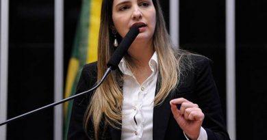 """Governo é contra levar Embratur para o Rio: """"muito caro"""", diz presidente"""