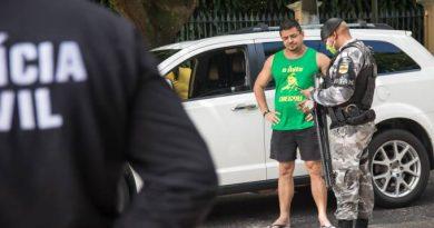 Polícia prende onze manifestantes em carreata contra quarentena em Belém