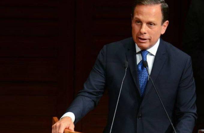 Aulas não podem ser retomadas sem autorização do governo de SP, diz Doria