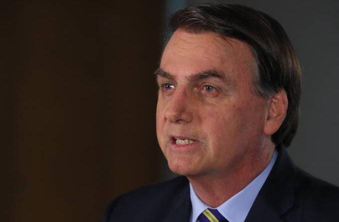 Bolsonaro adota tom conciliador na TV, fala em defender vidas e pede união