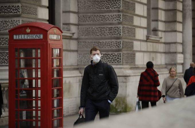 Coronavírus: Reino Unido deve manter confinamento até final de maio