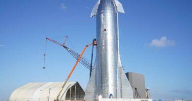 Novo foguete da SpaceX passa em teste de segurança