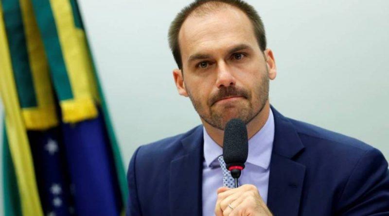 Celso de Mello envia à PGR pedido de investigação contra