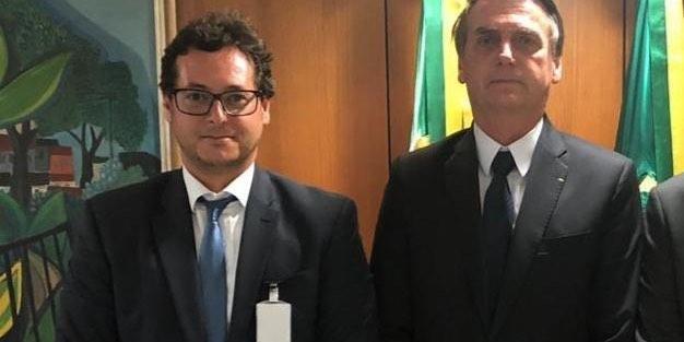 Eduardo Bolsonaro sai em defesa do chefe da Secom, alvo de fritura por apoiadores