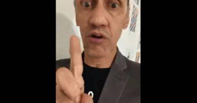 Humorista cria o personagem Pastor Adelio que vende máscara invisível e confunde internet