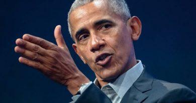 """Obama diz que ação de Trump na pandemia é um """"desastre caótico"""""""