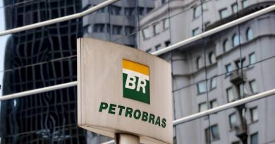 Petrobras ainda espera vender refinarias neste ano