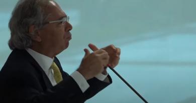 Reunião expõe divergências de Guedes e Marinho sobre investimento público