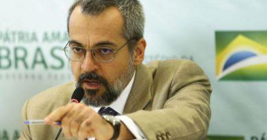 Weintraub recua e sugere adiamento do Enem em 30 a 60 dias
