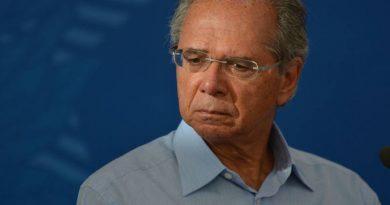 Guedes diz que só estende auxílio emergencial por três meses se valor for de R$ 200