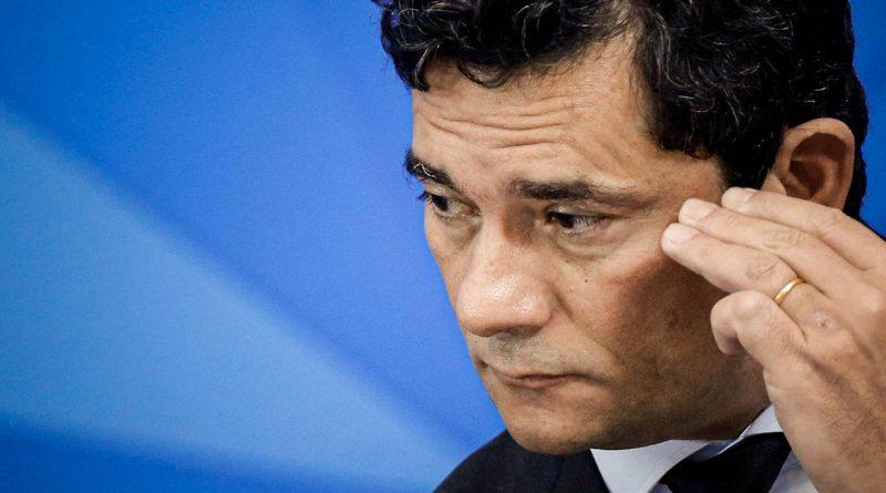 Procuradoria pede corte imediato de salário de ex ministro Sergio Moro