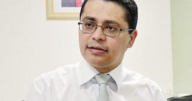 """Reabertura: """"Se voltar a aumentar os casos, a gente vai ser obrigado a fechar"""", diz Carlos Lula"""