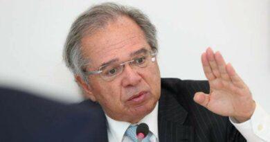 Correção da tabela do IRPF depende da criação de um novo imposto, diz Guedes
