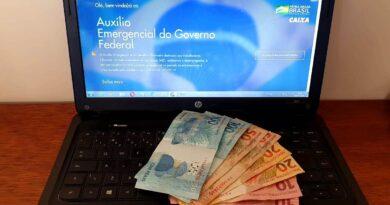 Governo exclui milhares de pessoas da lista do auxílio emergencial
