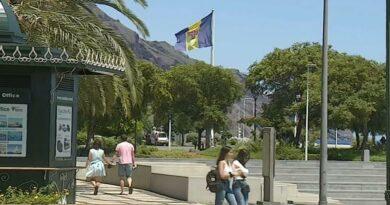 Máscara mesmo na rua e teste à chegada são obrigatórios na Madeira