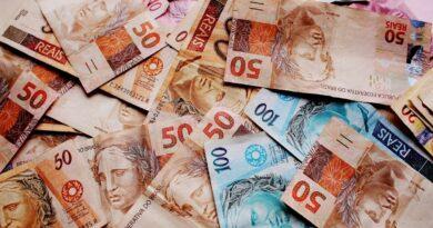 Ministério da Economia prevê déficit de quase R$ 800 bilhões