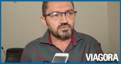 Padre Walmir quer aumentar contribuição dos servidores para 14%