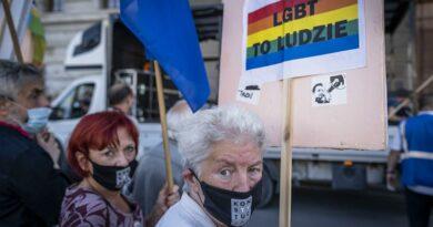 """As """"zonas livres de LGBT"""" na Polónia"""