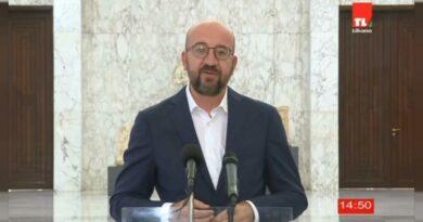Charles Michel visita Líbano em ambiente de protesto