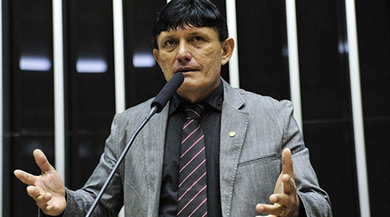Condenado por difamação, Éder Mauro volta a propagar mensagem distorcida