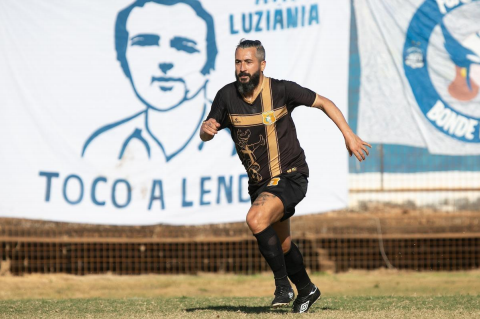 Ex Corinthians, Douglas disputa final do Campeonato Brasiliense