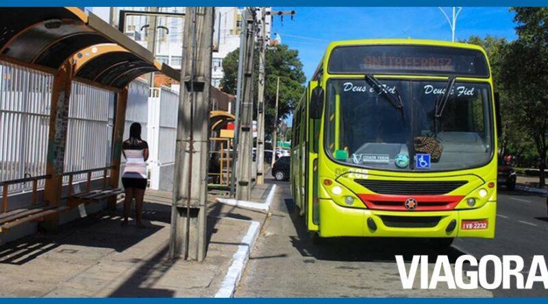 Firmino determina que ônibus só circulem com passageiros sentados