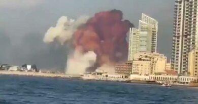 Imensa explosão arrasa porto de Beirute e provoca milhares de vítimas