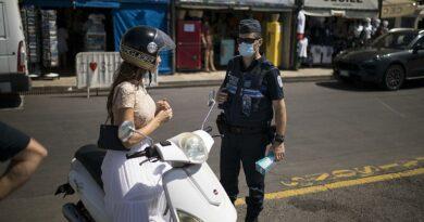 Máscaras, patrulhas, multas. Assim se combate a covid 19 na Europa