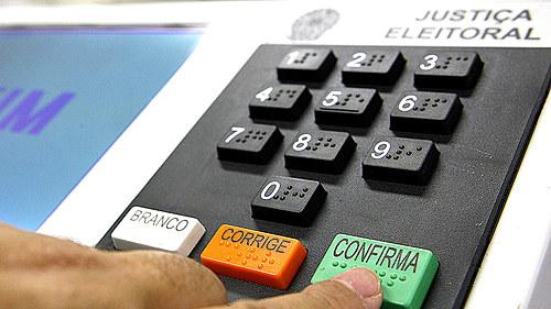 TSE cancela biometria e cogita divisão por faixa etária para as eleições de novembro