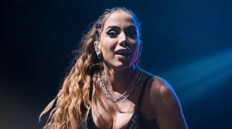 Anitta terá Cardi B como parceira em música que será lançada dia 18