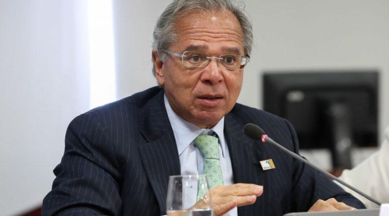 Apesar de discurso de Guedes, equipe econômica teme isolamento na articulação política