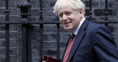 Boris Johnson defende projeto lei que viola acordo do Brexit