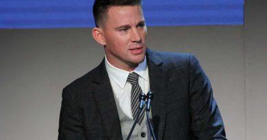 Channing Tatum se veste de fada com adereços da filha para divulgar seu livro infantil
