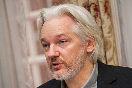 Começa hoje o julgamento que decidirá sobre a extradição de Assange para os EUA
