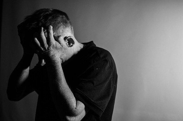 Depressão e transtorno bipolar são as principais causas do suicídio   ViDA & Ação