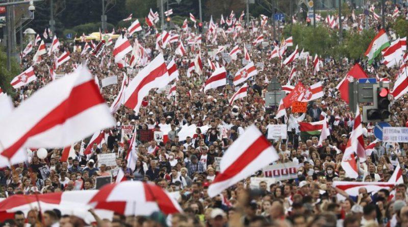 Dezenas de milhares vão às ruas da Belarus protestar contra ditador