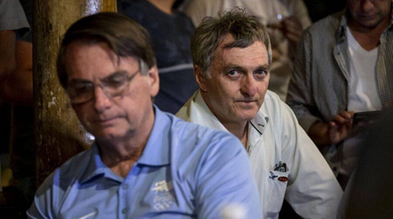 Irmão de Bolsonaro apoia ex prefeito aliado do PT acusado de improbidade