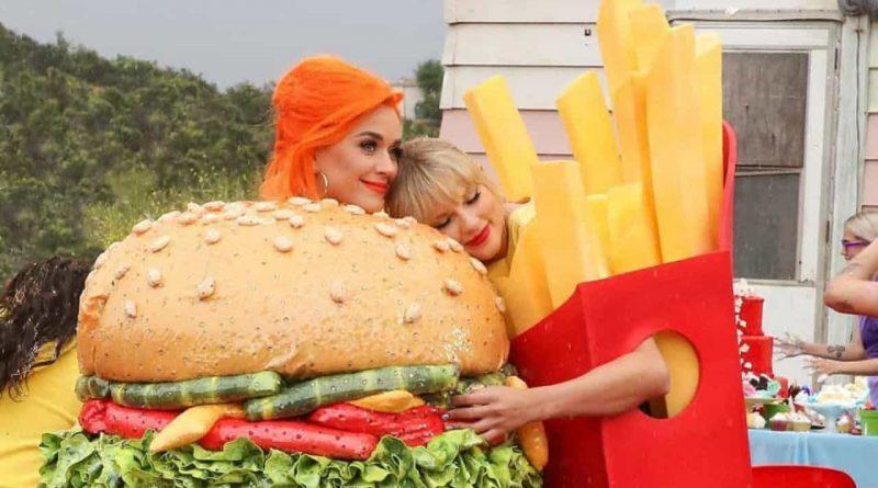 Katy Perry mostra presente que Taylor Swift deu à sua filha