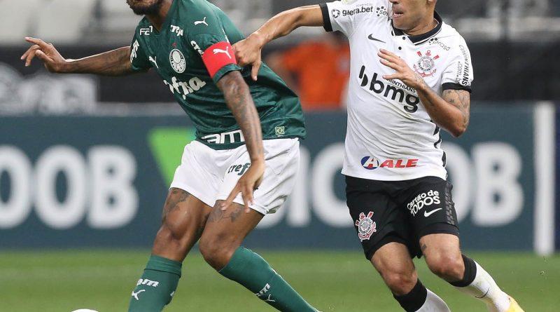 Luiz Adriano sai com dores na coxa, e Luxa imagina desfalque na retomada da Libertadores