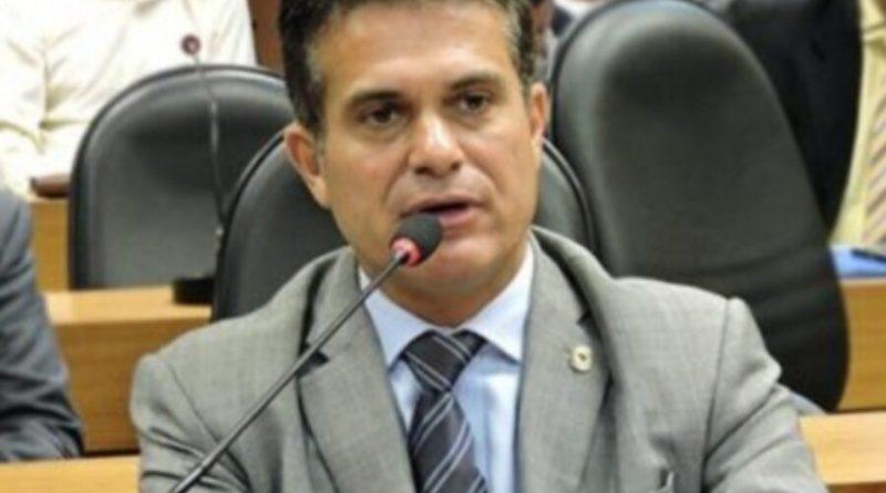 Retirar a desoneração do leite e seus derivados vai gerar custo extra de R$ 7,4 bilhões a laticínios e pecuaristas, critica Eduardo Salles